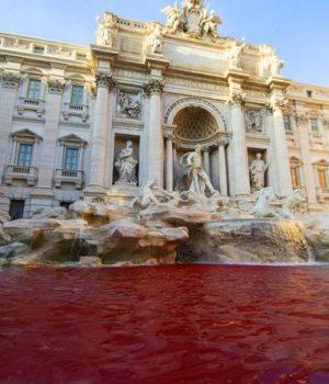 Fontana di Trevi vandalizzata